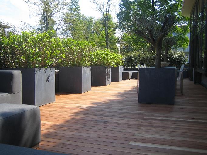 Foto album vloeren - Houten terras en tegels ...