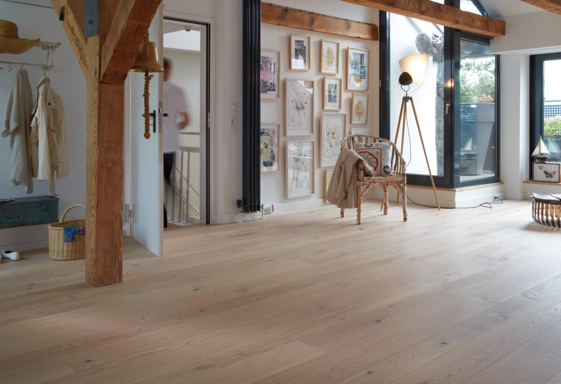 MoreFloors - Bauwerk silverline_oak_wide-Farina 26 breed (Medium).jpg