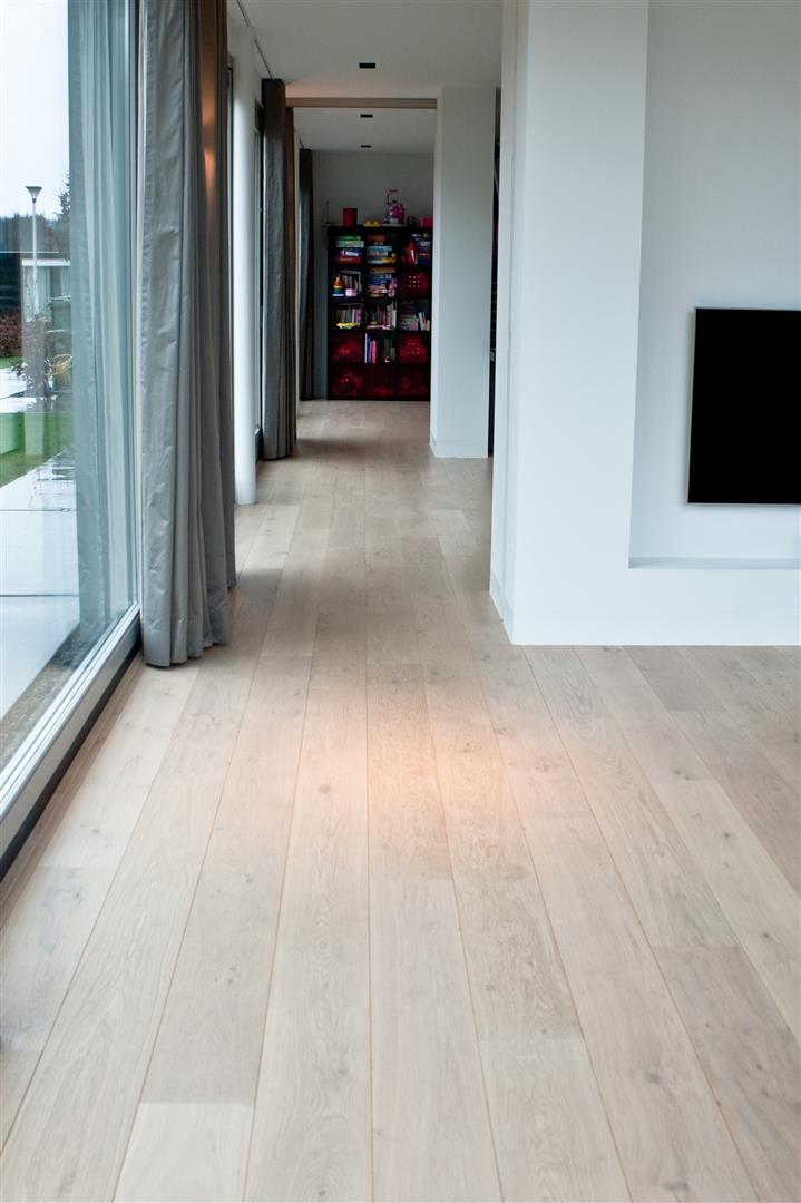 Genoeg tegels en houten vloer overgang, strak zonder profiel @KU97