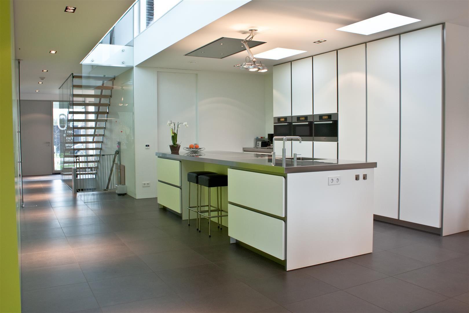 Tegels en houten vloer overgang strak zonder profiel - Faience giet keuken moderne ...