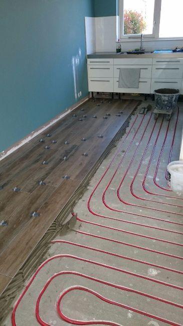 vloerverwarming onder keramische tegels, een optie mogelijk bij MoreFloors Breda