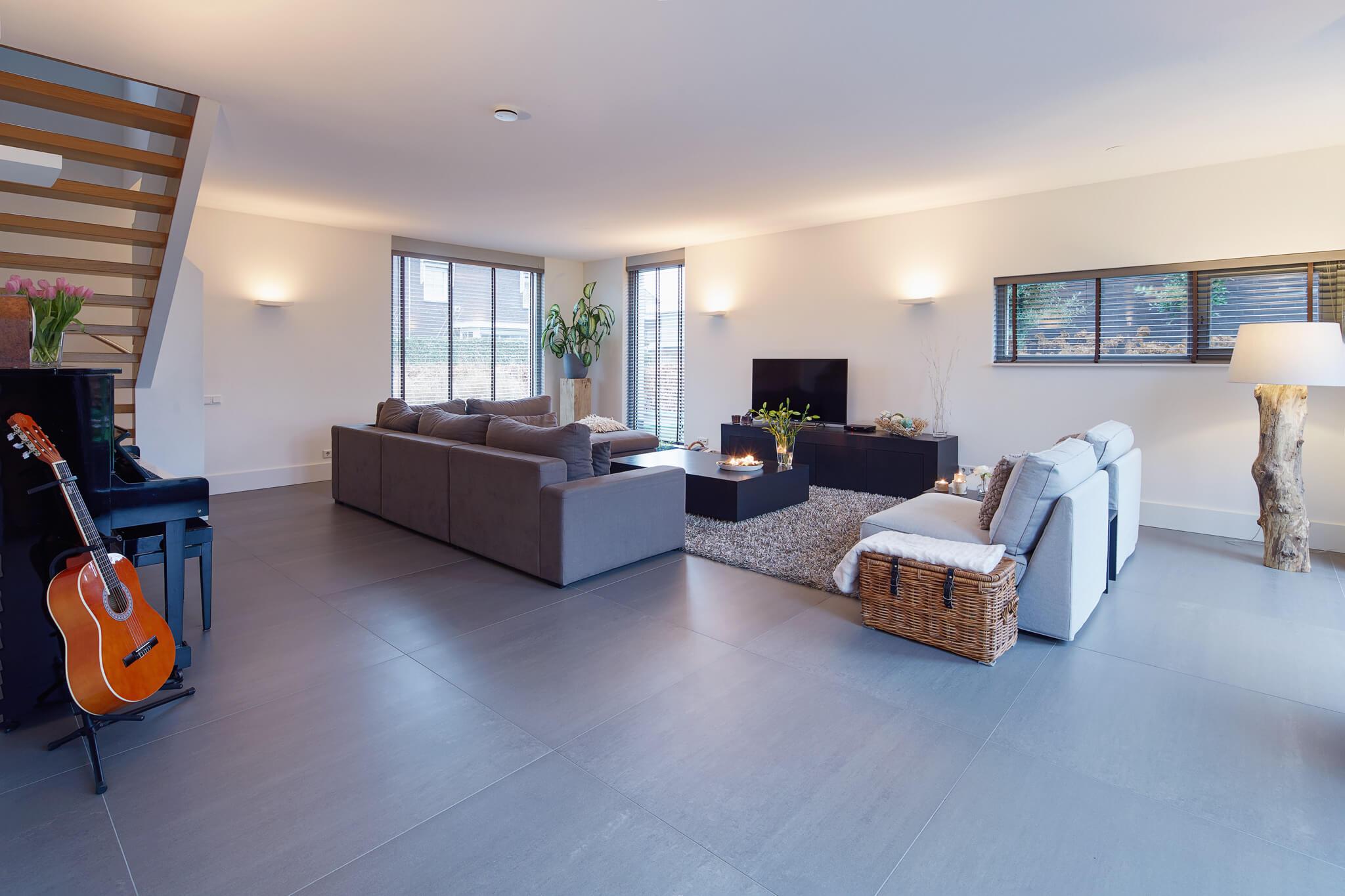Betonlook tegels houten vloeren morefloors breda